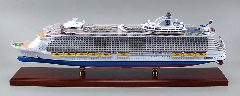 オアシス オブ ザ シーズ oasis of the seas精密模型完成品 1 350
